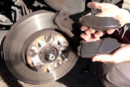 4 Ciri-ciri Menandakan Kampas Rem Mobil Minta Jajan