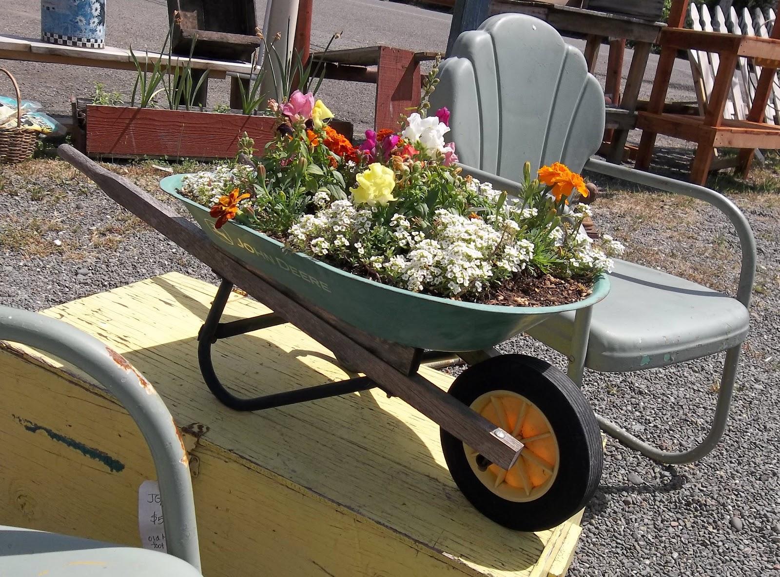 Container Garden Ideas: Gin'Gilli's Vintage Home: Unique Container Gardening Ideas