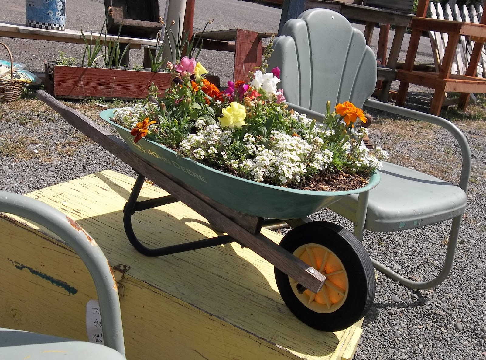 Gin'Gilli's Vintage Home: Unique Container Gardening Ideas