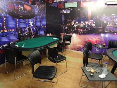 Εντοπίστηκε παράνομη χαρτοπαιχτική λέσχη στις Σέρρες. Σε χώρο που λειτουργούσε με την κάλυψη μη κερδοσκοπικού σωματείου, διενεργούνταν παράνομα τυχερά παίγνια