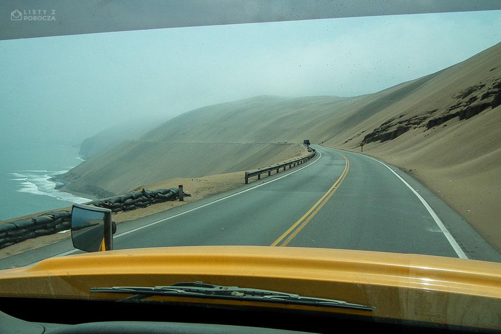 Droga krajowa PE-1N przez pustynie na północ od Limy