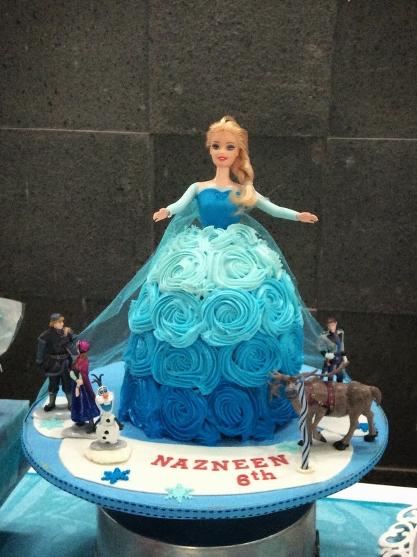 The Green Corner Frozen Doll Cake