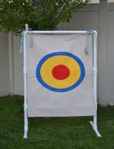 Papan targetl terbuat dari pipa PVC (paralon)