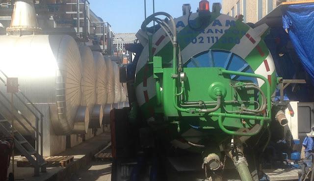 Limpieza depósitos industrias Madrid