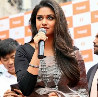 Keerthy Suresh in Saree with Cute Smile at Happi Mobile Store Launch in Guntur
