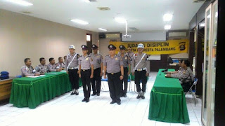 4 Polisi Jalani Sidang Disiplin Profesi Lantaran Kepergok Lakukan Pungli Minta Uang Rp10 Ribu dan Mi Instan - Commando