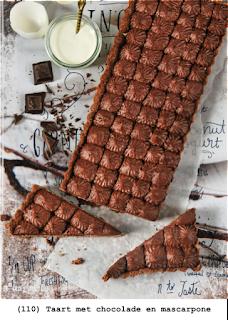 Taart met chocolade en mascarpone: bodem van chocolade, laagje mascarpone en chocoladecreme