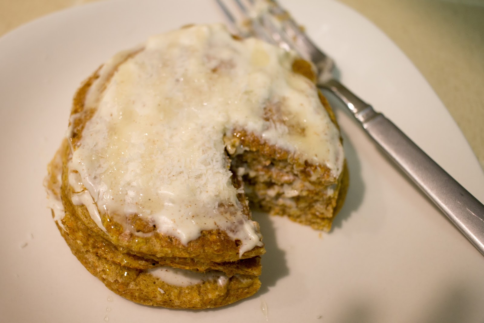 Carrot cake protein pancakes - Lucee Lou's