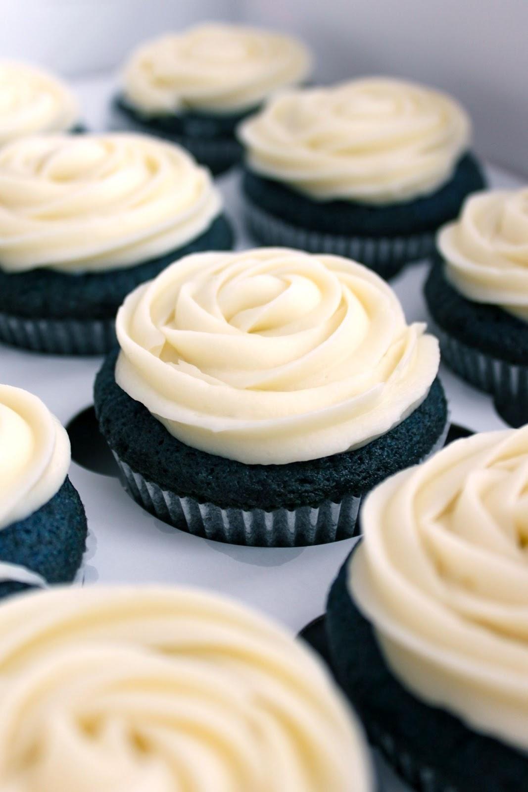 Baked Perfection Blue Velvet Quot It S A Boy Quot Cupcakes
