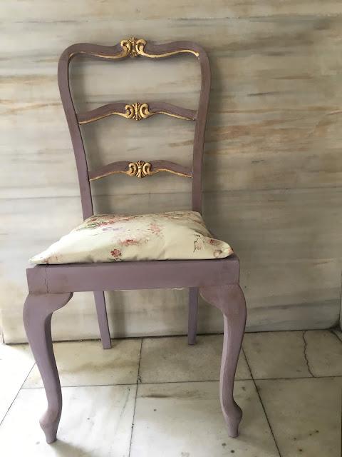 Επιχρύσωση καρέκλας με φύλλα χρυσού 15 Annie Sloan Greece