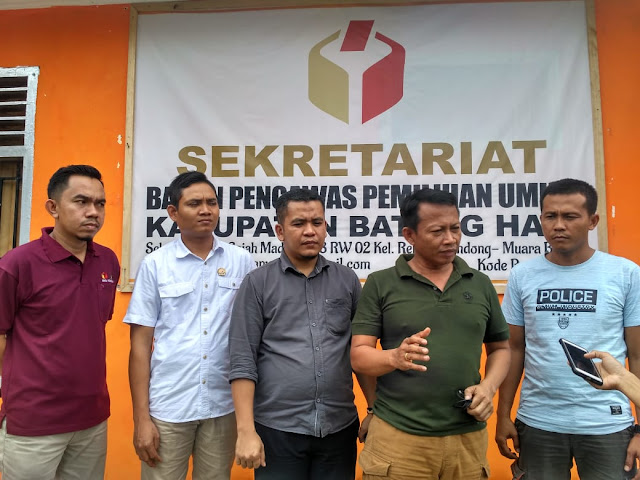 Lima Saksi Dugaan Pelanggaran Pemilu Caleg DPR RI Jalani Pemeriksaan di Bawaslu Batanghari