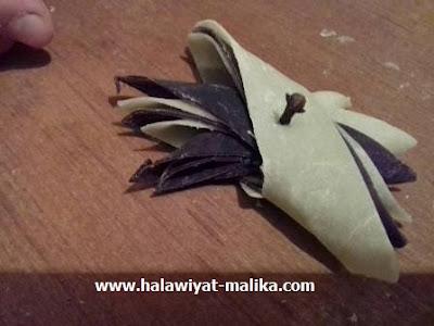 قريوش الطاجين في شكل المروحة بالكاكاو