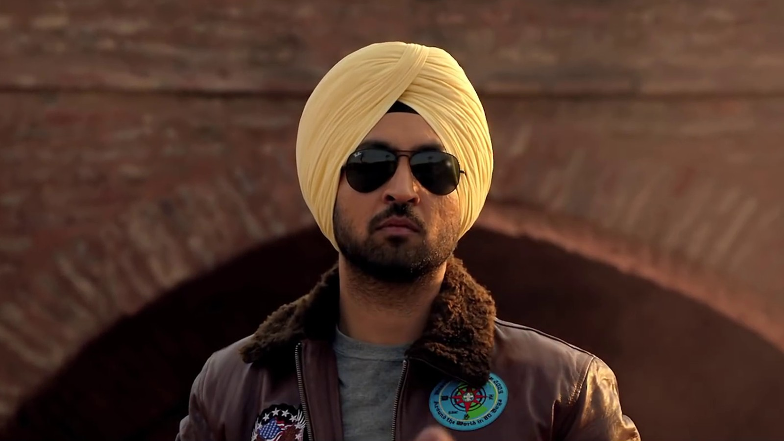 Complete biography Diljit Dosanjh, Age, Movies, Upcoming movies & Wallpapers