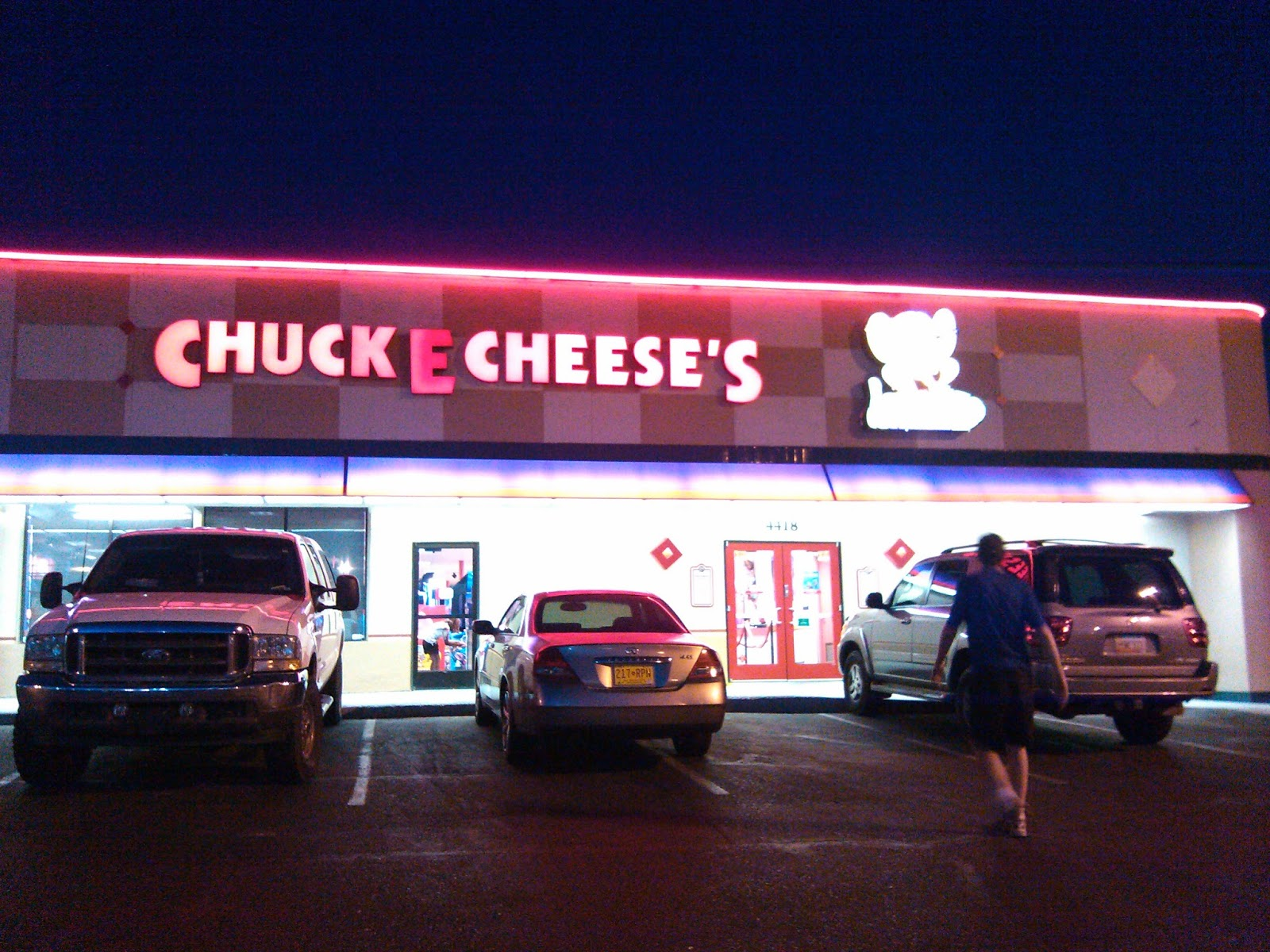 Chuck E Cheese: Albuquerque Pizza : Chuck E. Cheese's
