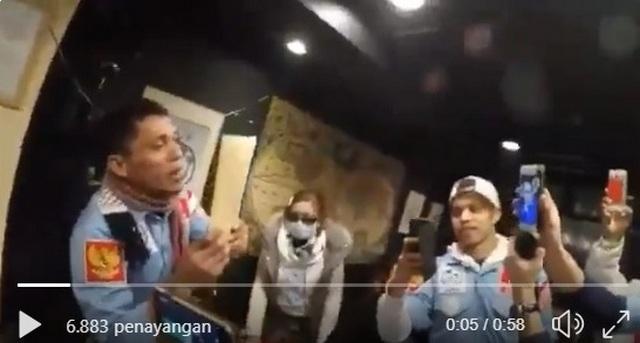 Sambil Menangis, Relawan Prabowo-Sandi di Jepang Sumbang Dana Perjuangan