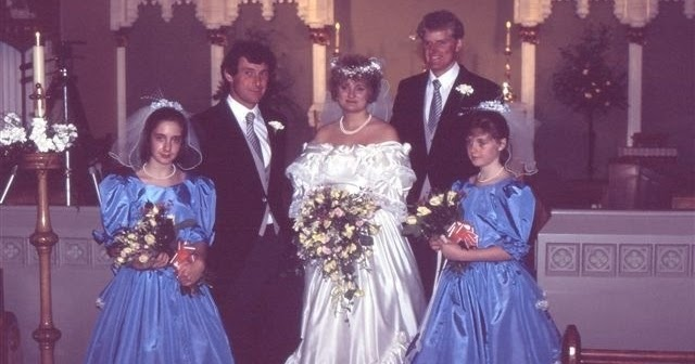 22 Year Wedding Anniversary Gift: A Look Back With Wedding