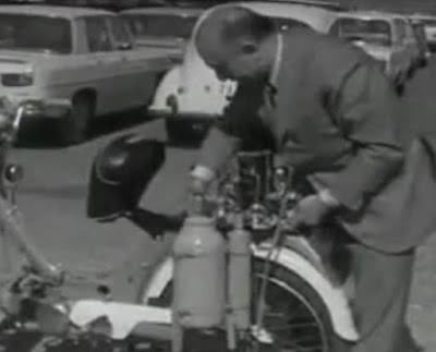 Arturo Estevez Varela inventor del motor de agua