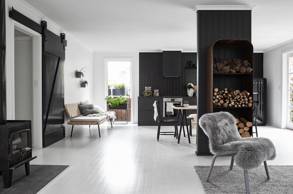 Amenajare scandinavă în alb și negru pentru o casă din Australia