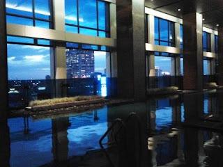 swimming pool JW Marriot Bangkok