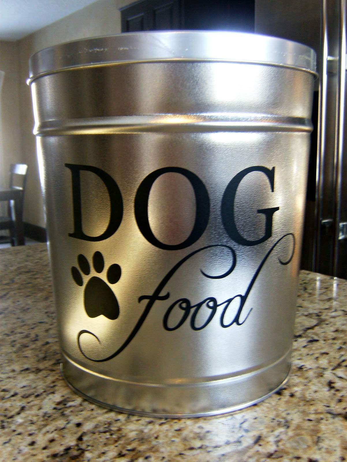 How Many Tins Of Food A Day For A Dog