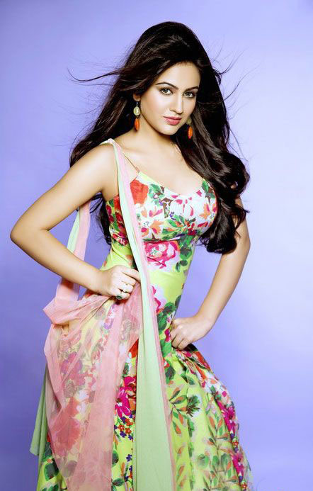 10 Modeling Days Pictures of Aksha Pardasany