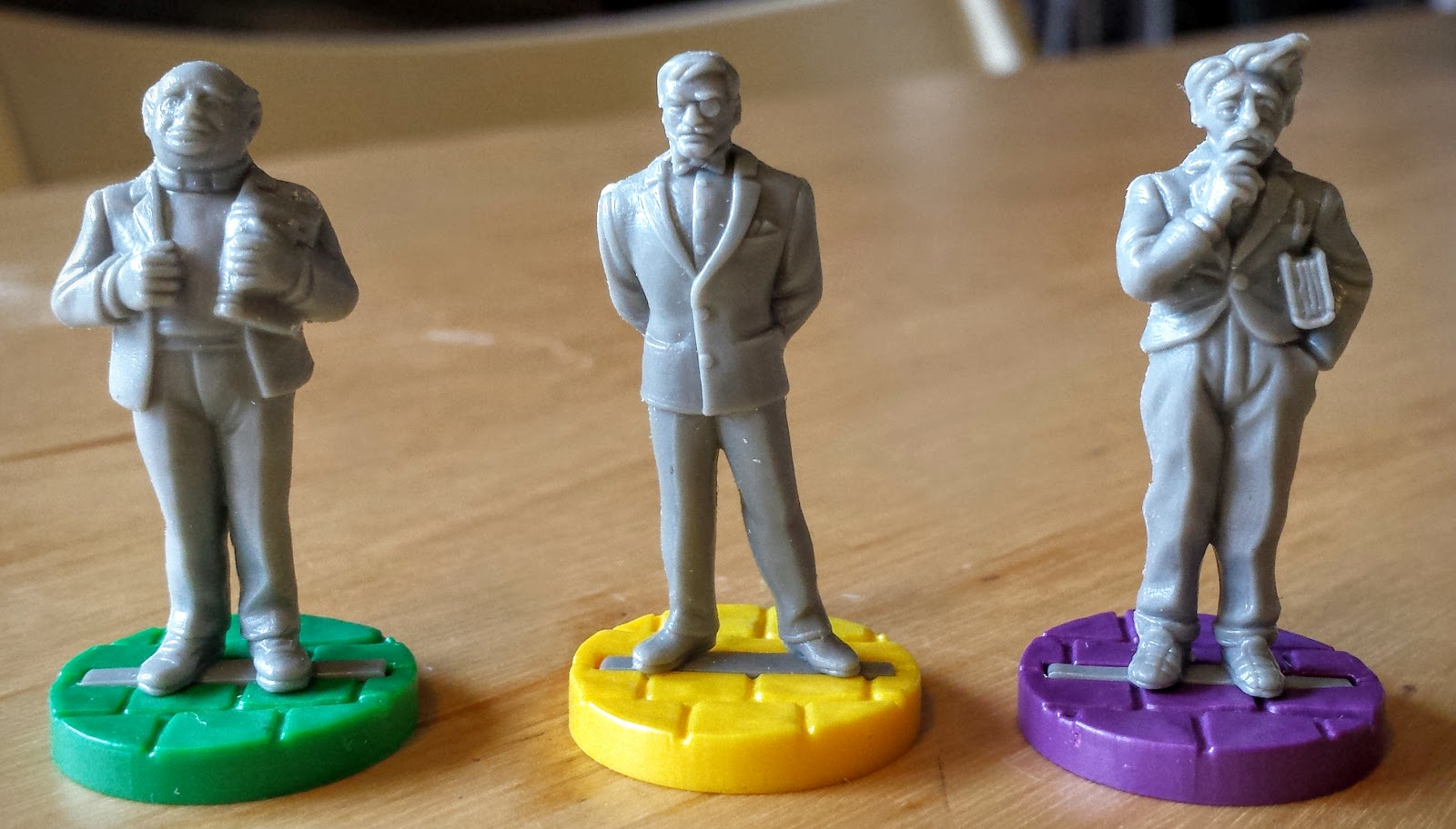 Cheap investigator figures from Cluedo