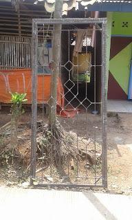 Teralis dan pintu kasa nyamuk semi minimalis