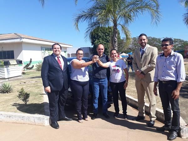 Prefeitura recebe doação de dois carros do Ministério Público do Trabalho para o Programa Família Acolhedora e APAE