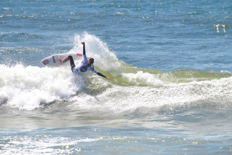 10 Nina Reynal FRA Junior Pro Espinho foto WSL Laurent Masurel