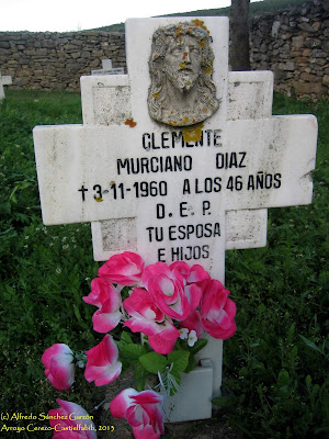 arroyo-cerezo-lapida-nicho-cementerio