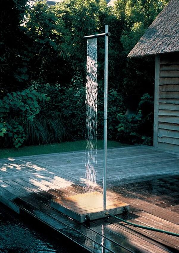 Cascade - Minimal Outdoor Shower