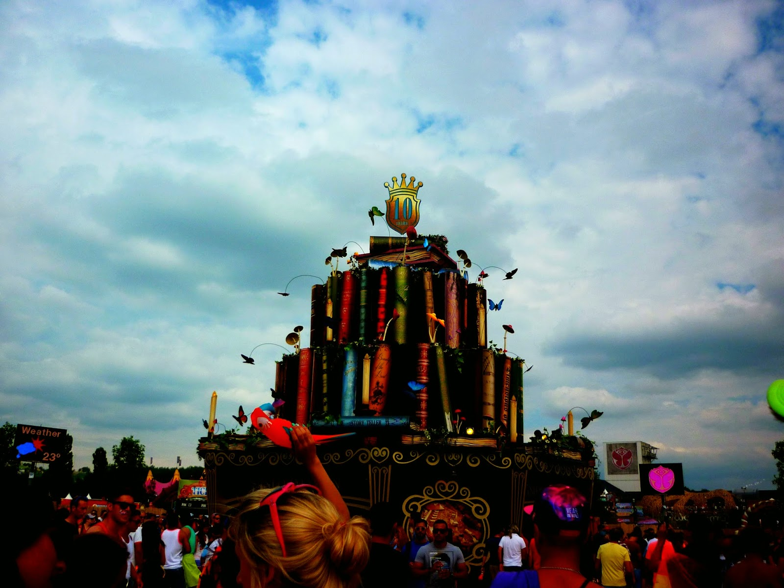 Tomorrowland 2014: The Best Thing Ever - Helene in Between