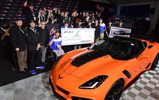 新型コルベットの最強モデル「ZR1」の第一号車がオークションで約1億円で落札!