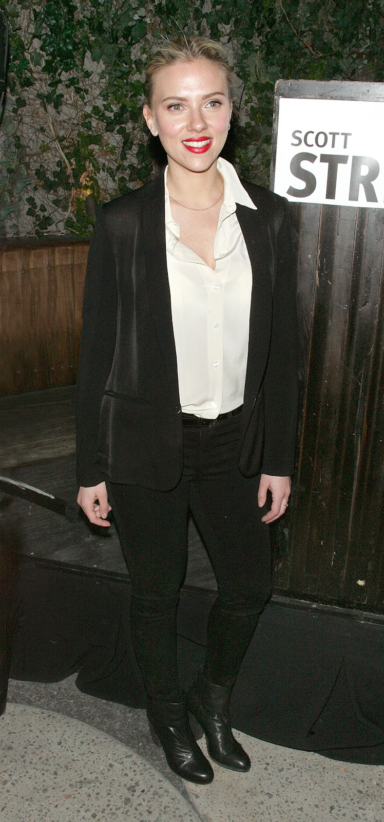Ladies In Satin Blouses Scarlett Johansson White Blouse