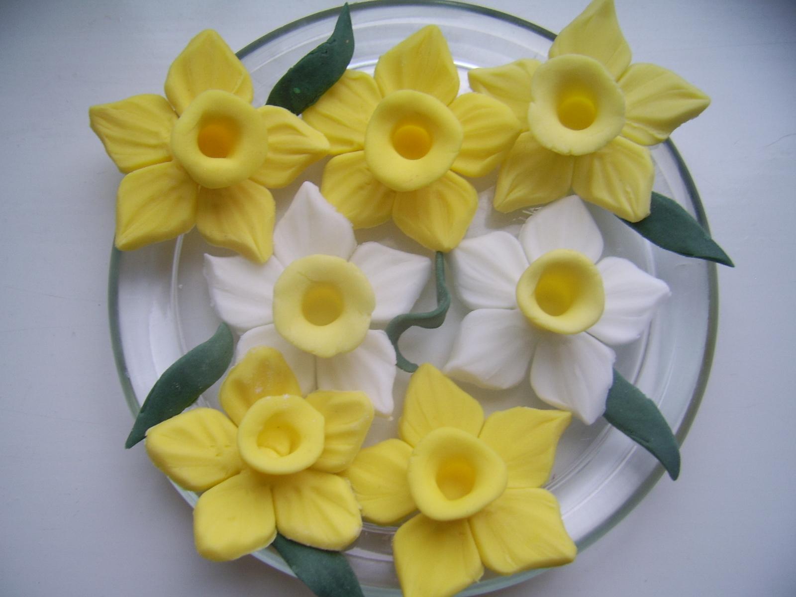 Irenafoods Fondant Icing Sugar Daffodils Narcise