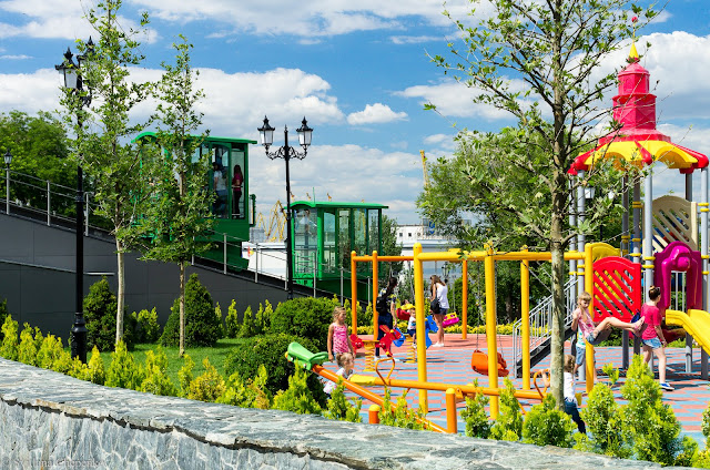 Дитячий майданчик у Стамбульському парку