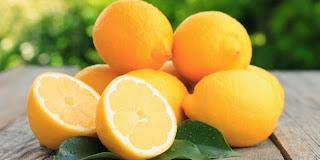 Tips Kecantikan Dengan Air Jeruk Lemon