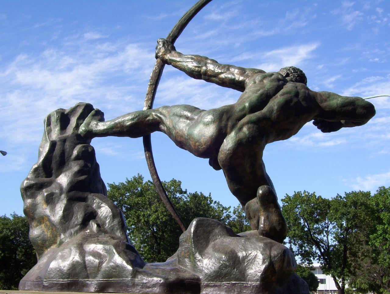 Estátua representando o sexto trabalho de Hércules