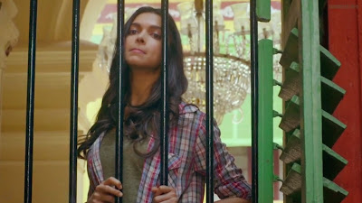 Deepika Padukone as Piku in Shoojit Sircar's Piku, seeing school girls through the window, childhood memories