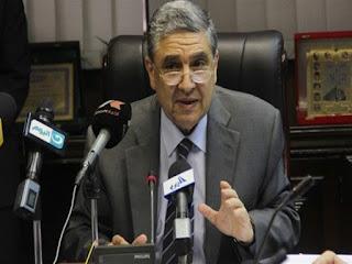 وزير الكهرباءيؤكد قطع الخدمة عن المتأخرين في سداد الفواتير مهما كان