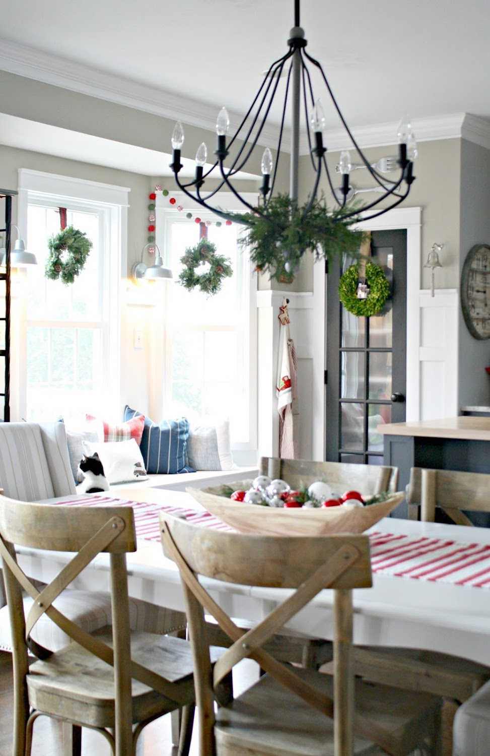 Christmas decorating tour