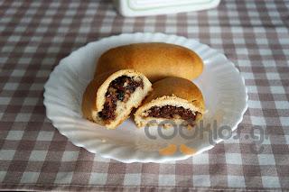 Η συνταγή της Ημέρας: Ψωμάκια γεμιστά με πραλίνα φουντουκιού και ξηρούς καρπούς