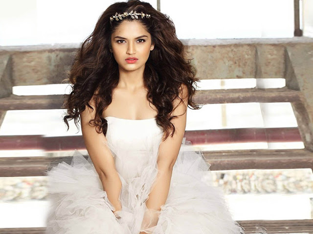 97 Tara Alisha Berry HD Wallpapers