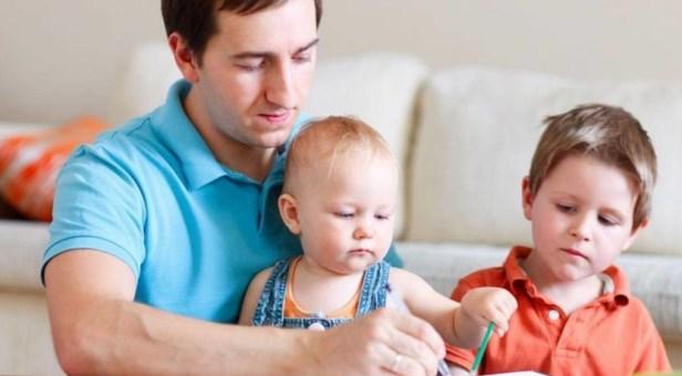 ماهي آثار تفضيل الآباء لأحد أطفالهم على أشقائه؟