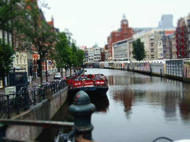 Amsterdam Canal, Flower Market. http://psychologyfoodandfitness.blogspot.co.uk/2016/07/travel-diary-i-am-amsterdam.html
