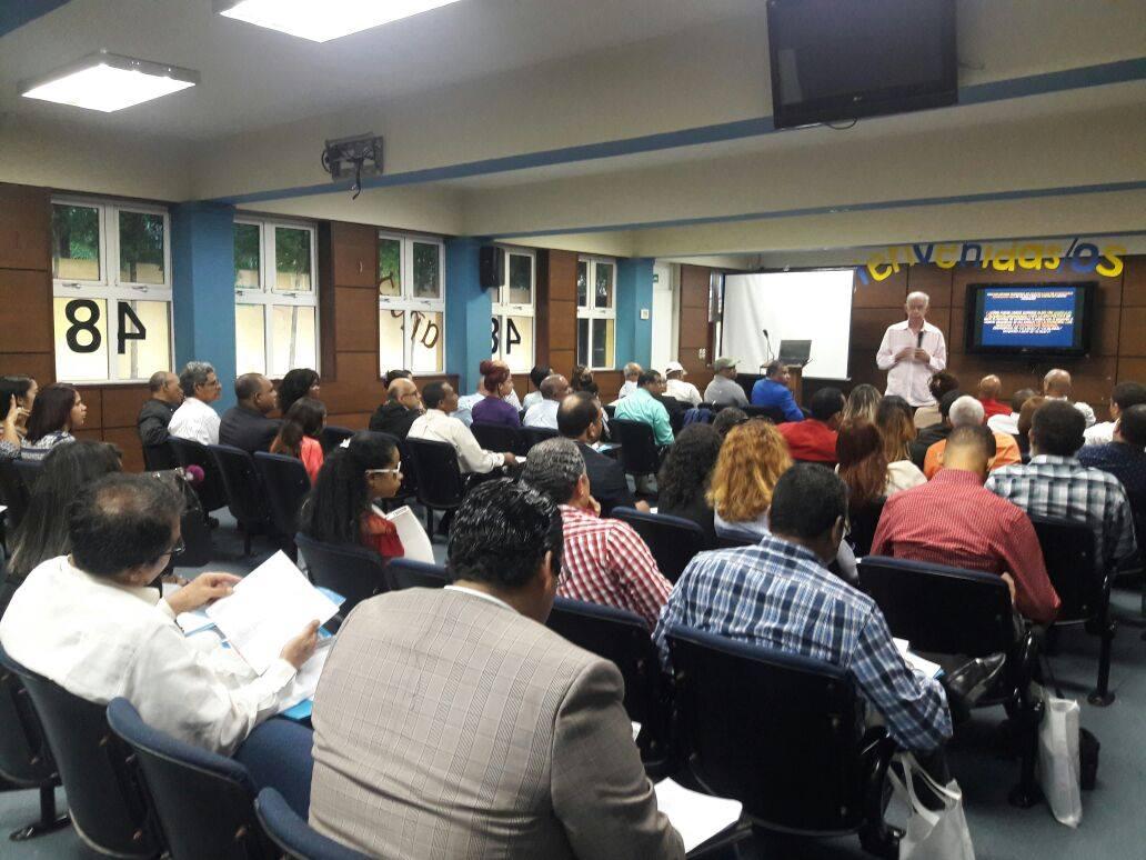"""Locutores asisten masivamente a inicio diplomado, """"Raíces Históricas y Procesos actuales de Integración en América Latina y el Caribe"""""""