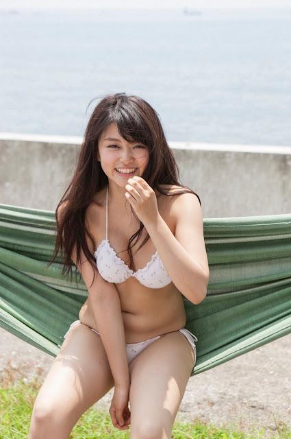Mari Yamachi 山地まり Sexy Bikini Images 24