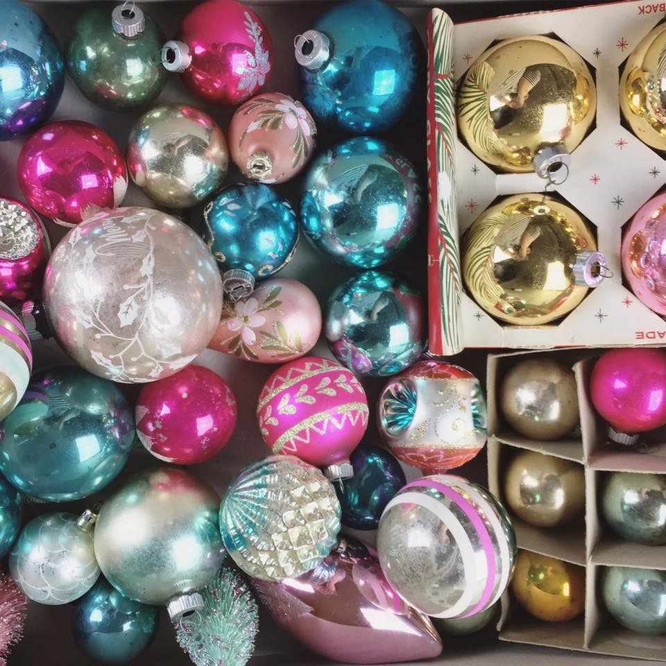 Humblebeads Blog: Tacky Holiday Earring Blog Hop