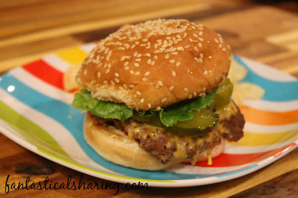 Five Guys Little Style Burgers // This easy copycat is perfect for a Friday night when you don't really want to go out to get Five Guys. #recipe #copycat #FiveGuys #burger
