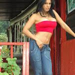 Andrea Rincon, Selena Spice Galeria 21 : Jean Azul y Top Rojo Foto 13